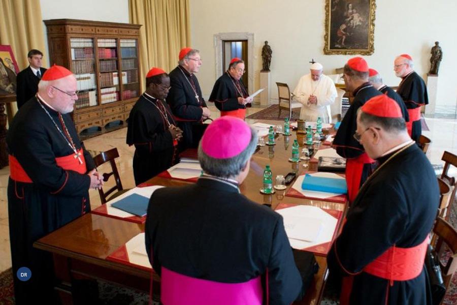 Papa prossegue reformas dentro da Igreja