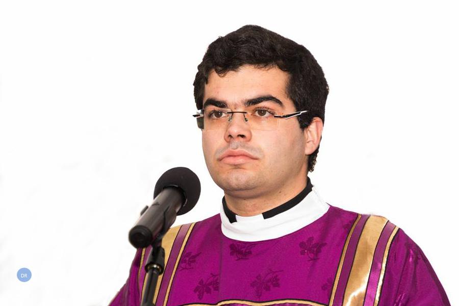 Jovem sacerdote diz que é preciso que a lei não se sobreponha à pessoas e alerta para o perigo do imobilismo legalista
