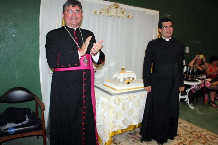 Bispo de Angra nomeia o recém-ordenado presbítero Jacob Vasconcelos como diretor do Serviço Diocesano de Catequese