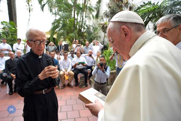 Papa reafirma validade do ensinamento da exortação «Amoris Laetitia»