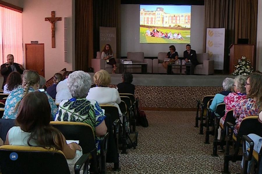 Cristãos chamados a «apoiar políticos» que defendam medidas «mais favoráveis» às famílias