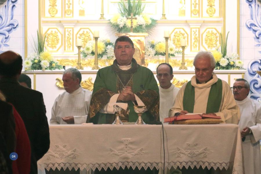 """Bispo de Angra desafia paróquias a renovarem-se para serem verdadeiras """"casas de família"""""""