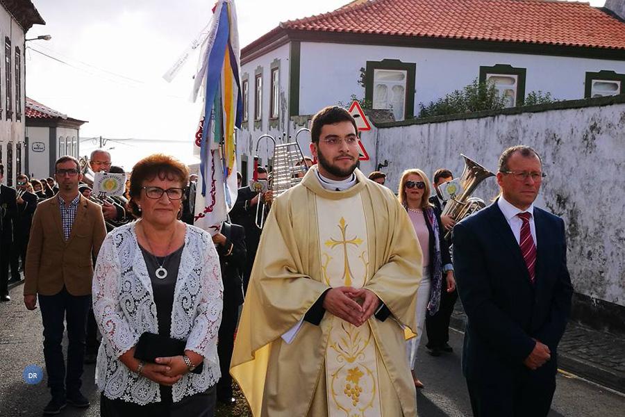 """Novo Padre diocesano afirma que na igreja """"não podem ser determinantes os lugares de honra, os títulos ou os privilégios mas apenas o serviço"""""""