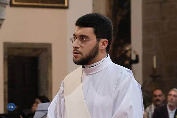 """Novo sacerdote da diocese de Angra alegre e """"com vontade de ser a imagem de Cristo neste mundo"""""""