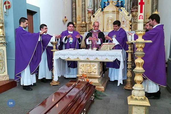 Exéquias fúnebres do Pe. Tomás Cardoso decorreram esta manhã na igreja paroquial da Silveira