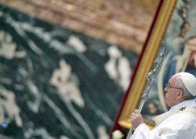 Papa quer padres «simples» para levar mensagem de misericórdia à Igreja e à sociedade