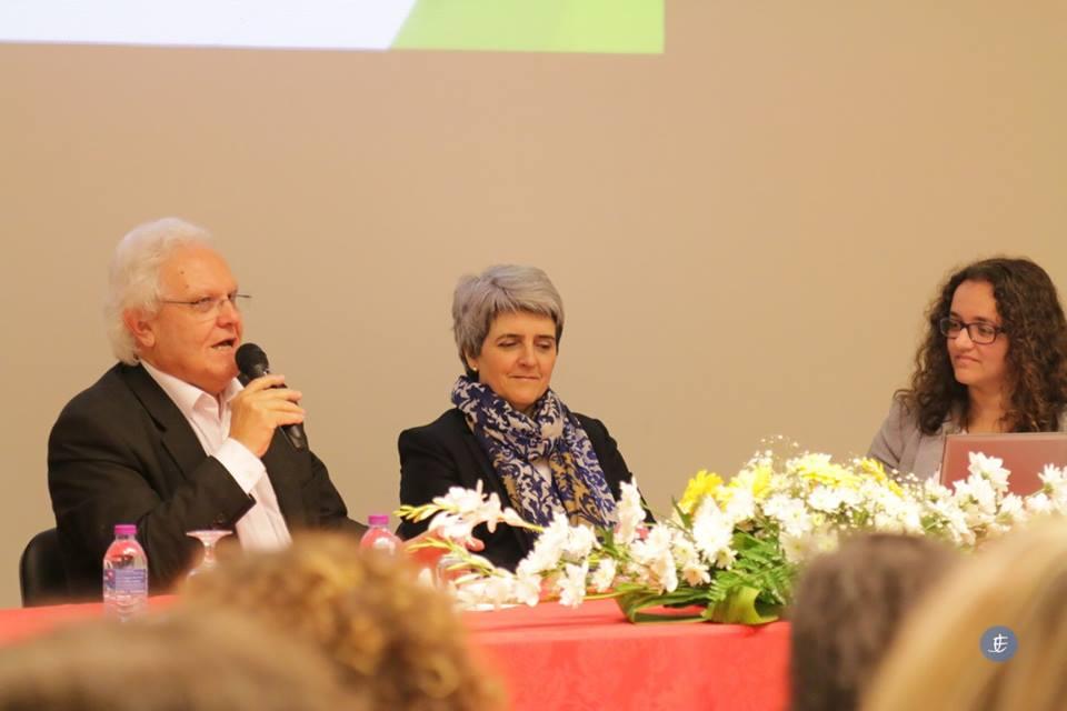 Debate sobre a educação e as novas tecnologias reúne famílias em Ponta Delgada