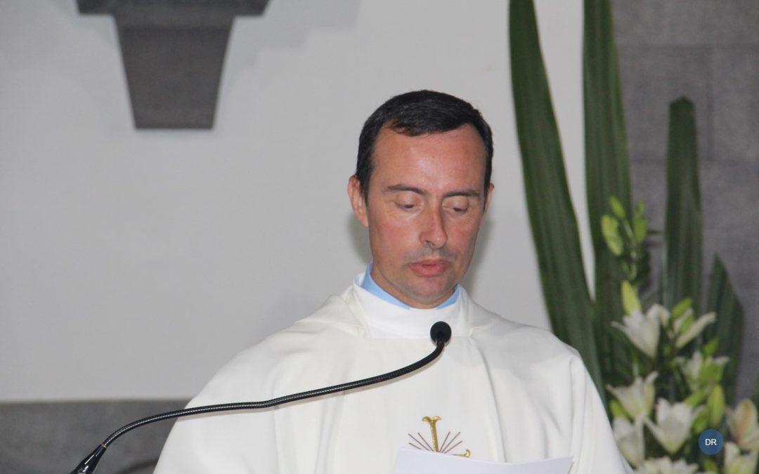 """Ouvidor da Povoação pede ao novo sacerdote que seja um padre """"do amor, da esperança e do coração"""""""