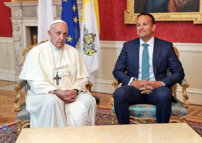 Papa realça a urgência de combater os «crimes repugnantes» cometidos contra menores dentro da Igreja Católica