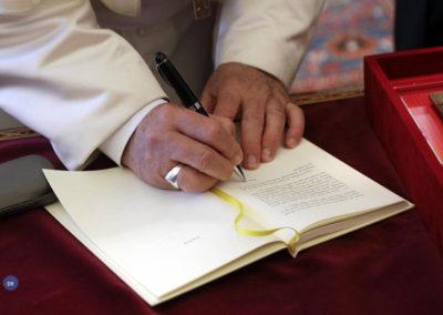 Papa altera catecismo com rejeição total da pena de morte