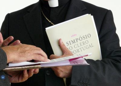 Padres portugueses em reflexão sobre o seu trabalho