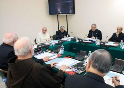 Papa afasta dois cardeais envolvidos em investigações sobre alegados casos de pedofilia