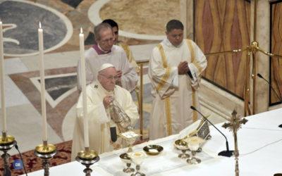 Papa desafia instituições de saúde a prestar cuidados de saúde tendencialmente gratuitos