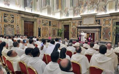 Servir a Igreja Católica não é compatível com a busca de «segurança de vida, de uma posição ou do lucro pessoal»