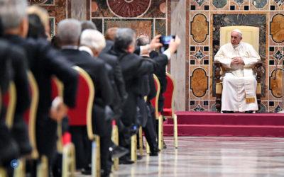 Papa pede aos governantes «que escutem as vozes dos povos e busquem soluções concretas para o seu maior bem»