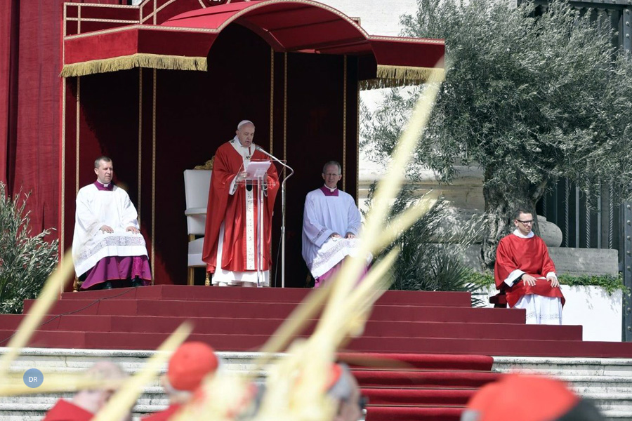 """Papa alerta para tentação do """"triunfalismo"""" e fala em batalha contra o Mal na Igreja"""