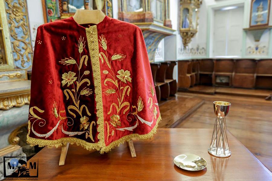 Santo Cristo estreia cálice e patena na missa do domingo da festa