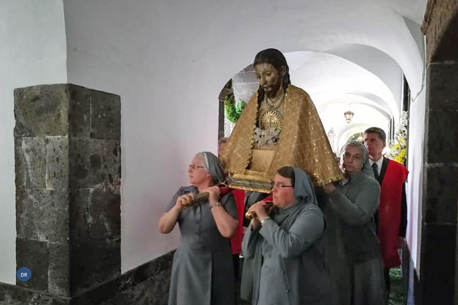 """""""É esta fé que dá sentido às nossas vidas"""", diz bispo emérito de Angra"""