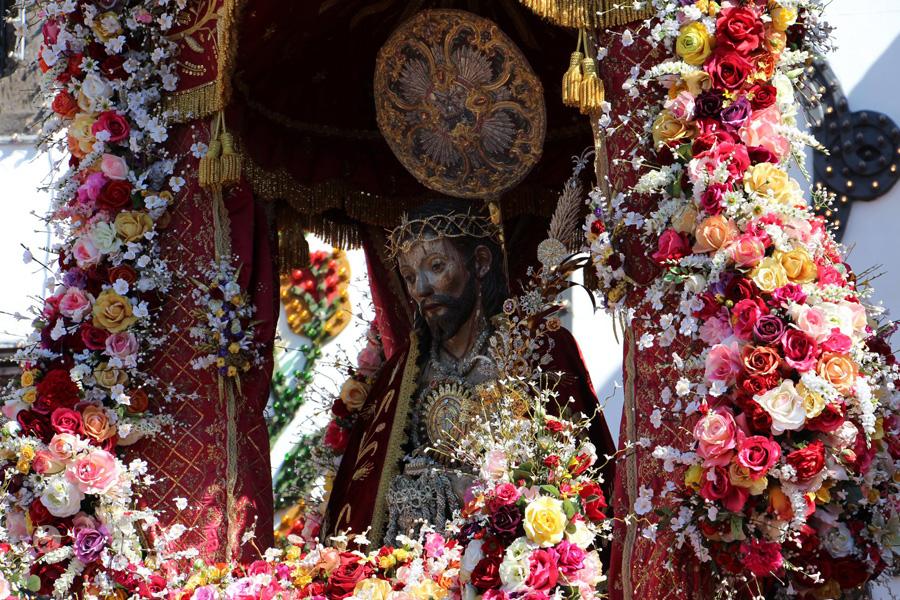 Dia principal das Festas do Santo Cristo terminou com Procissão Solene