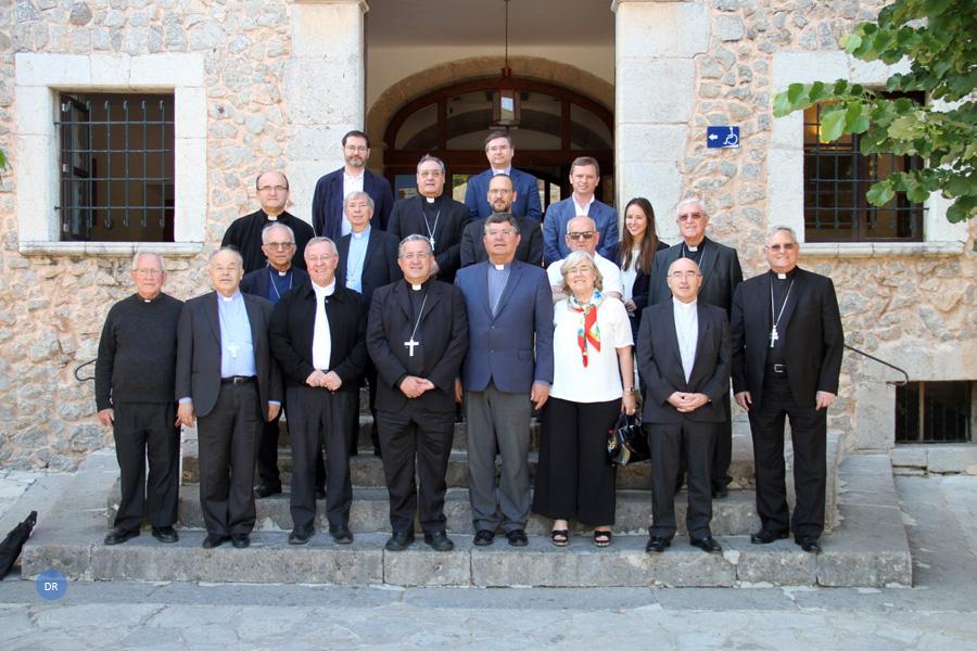 """Responsáveis católicos de Portugal e Espanha propõem linguagem """"inquestionavelmente digital"""""""
