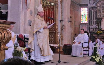 """Bispo de Angra ordenou mais um sacerdote a quem pediu para """"não ter medo"""" e resistir """"à mediocridade"""" e à """"tentação dos poderes"""" do mundo"""