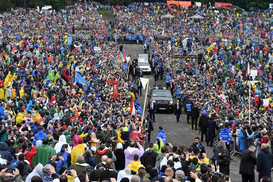 Papa desafia jovens a ser «peregrinos do século XXI»