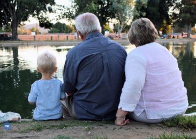 Avós desafiados a ensinar aos netos que é «mais importante interagir com pessoas do que lidar com máquinas»