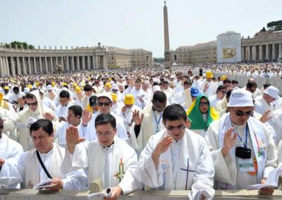 Papa escreve aos padres de todo o mundo, em momento de crise pela sucessão dos casos de abusos