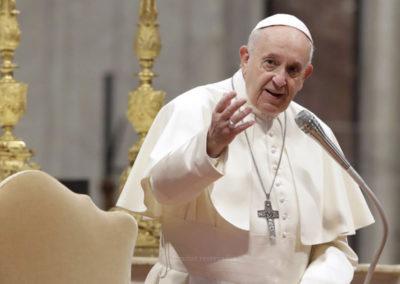 Silêncio e oração, mais natureza e menos telemóveis – os conselhos do Papa para o verão