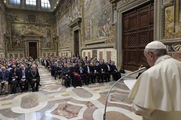 «Muitas desigualdades e divisões ameaçam a paz» – Papa aos Bispos Orientais Católicos na Europa