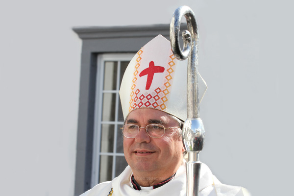 Bispo de Angra desafia diocesanos a encontrar na simplicidade do presépio o sentido de uma vida mais plena com a marca do Amor de Deus