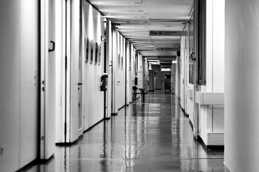 Papa lança novo apelo contra projetos de legalização da eutanásia
