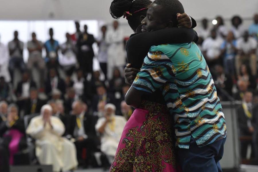 Papa desafia jovens a «escrever nova página», evocando história de superação de Eusébio