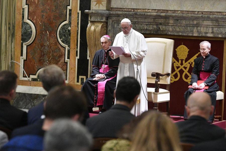 Vaticano: Papa lembra obrigação de um desenvolvimento que esteja ao serviço de todos