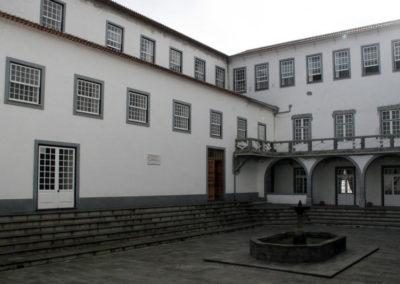 Seminário de Angra suspende aulas e jornadas de teologia