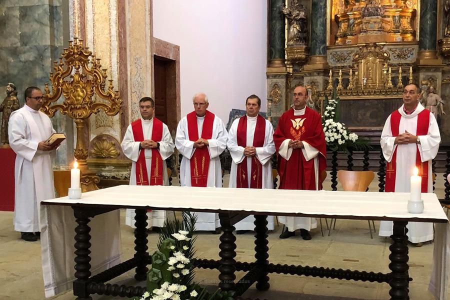 Vigário geral da diocese preside a celebração dos 50 anos do edifício do antigo Liceu de Angra