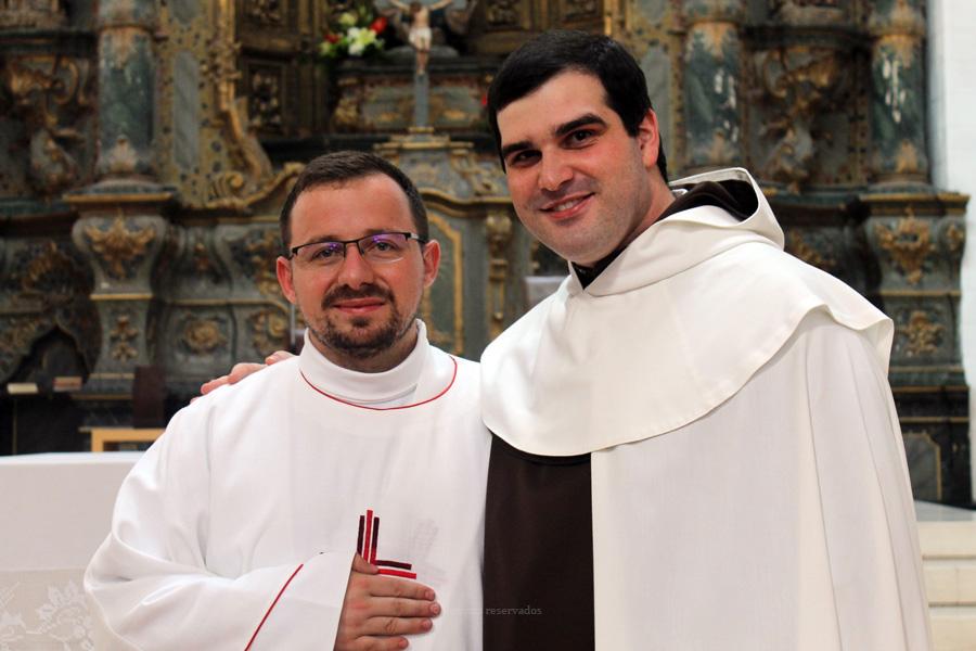 Bispo de Angra ordena frade carmelita descalço na Sé de Angra no dia 1 de dezembro