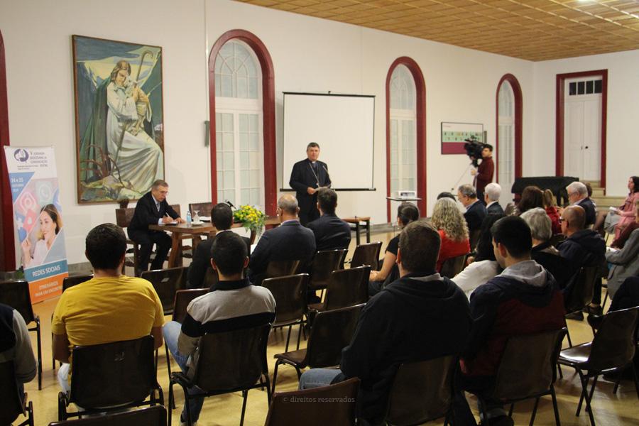 """Bispo de Angra desafia diocesanos a contribuir para uma comunicação que gere comunhão com """"verdade, justiça e inclusão"""""""