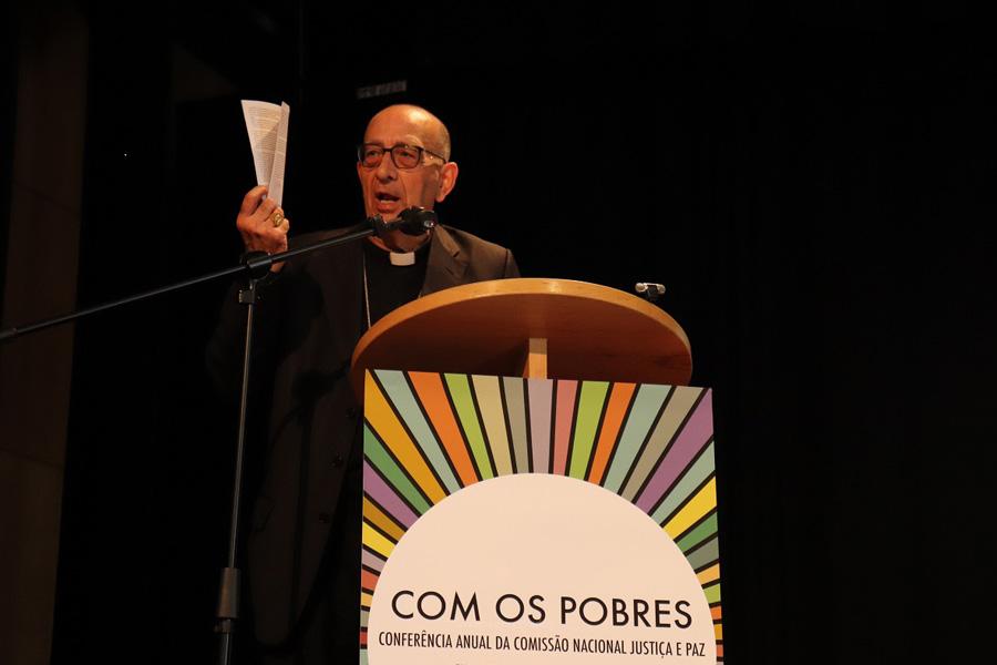 """""""Passamos indiferentes pelos que caem dos barcos"""" afirma D. Juan José Omella"""