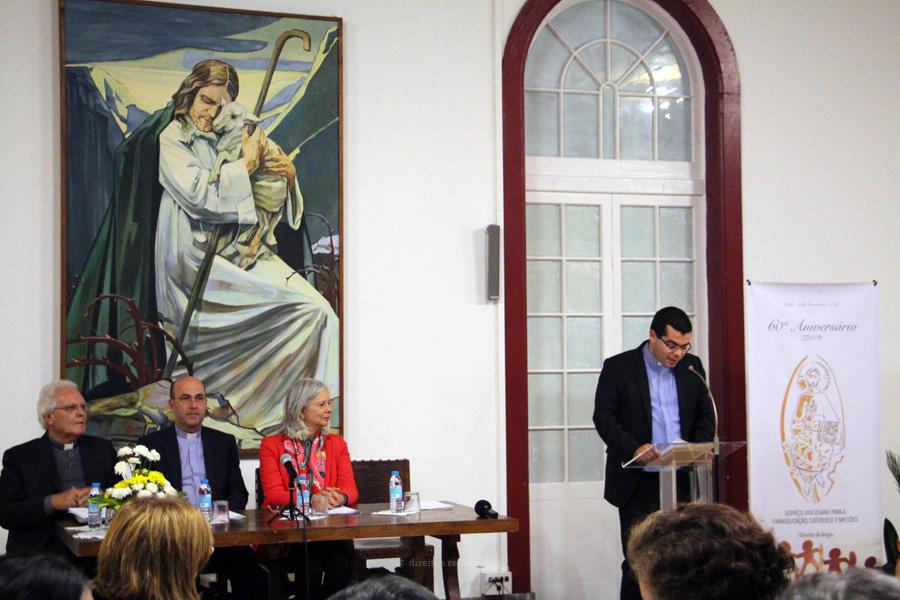 """Catequista """"não é professor da fé"""" mas """"alguém disposto a colaborar com Deus na transformação do mundo"""", afirma a responsável do setor da Catequese do Secretariado Nacional da Educação Cristã"""