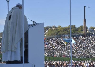 Papa Francisco encerra viagens inéditas, marcadas por apelos contra armas nucleares e a exploração das pessoas
