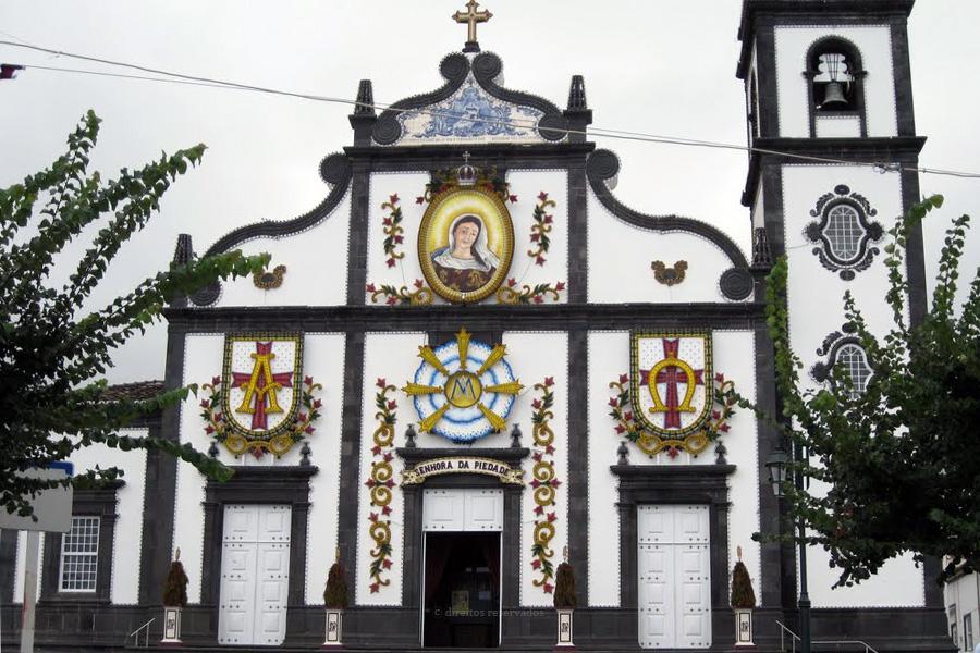 Jovens de São Miguel celebram Natal em Ponta Garça