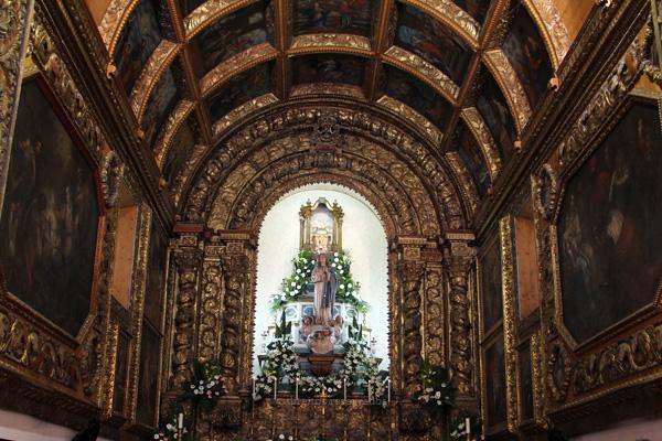 Trinta e dois anos a promover o culto mariano na ilha Terceira