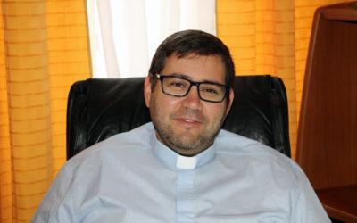 """Padre do Capelo satisfeito com """"generosidade e união"""" após incêndio na Igreja de Santa Ana"""