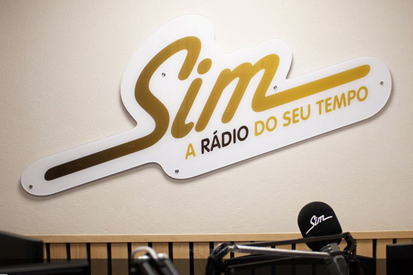 Rádio Sim vai ser «descontinuada»
