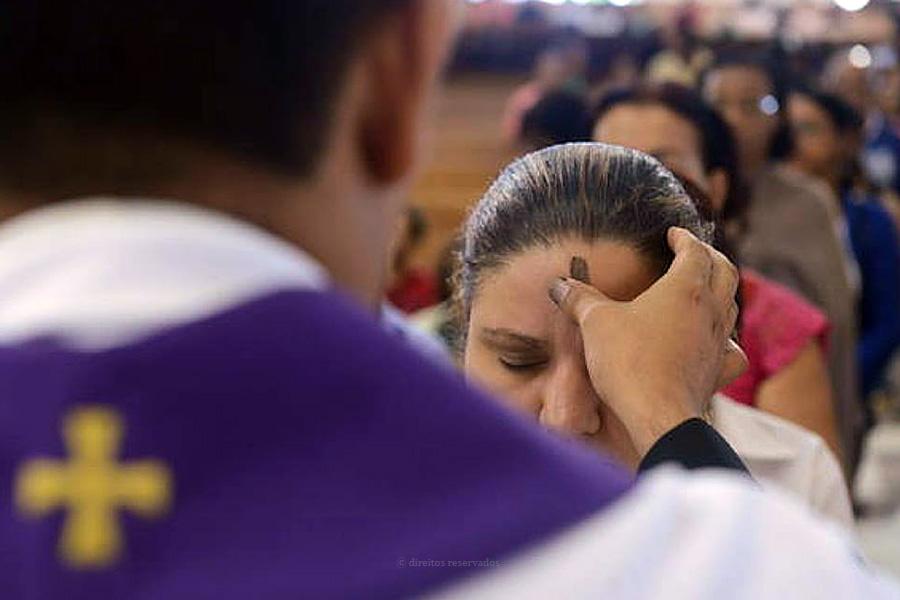 """Bispo de Angra desafia diocesanos a """"rasgar o coração"""" na Quaresma que se traduza numa verdadeira """"mudança de vida"""""""