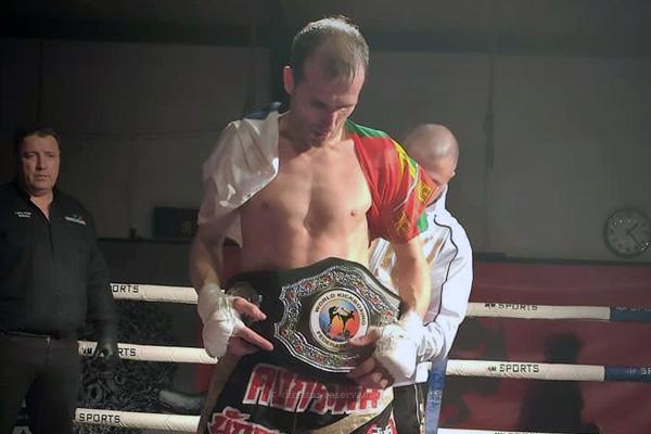 Igreja Arrifes felicita Renato Ferreira pela conquista do cinturão ibérico de Low Kick
