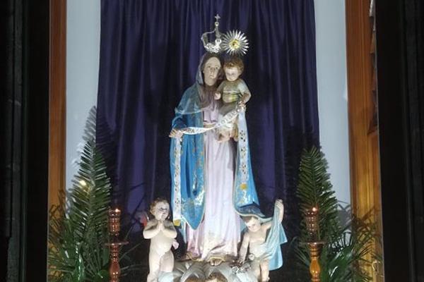 Igreja dos Arrifes associou-se à bênção Urbi Et Orbi e trouxe imagem da Senhora da Saúde para junto da comunidade