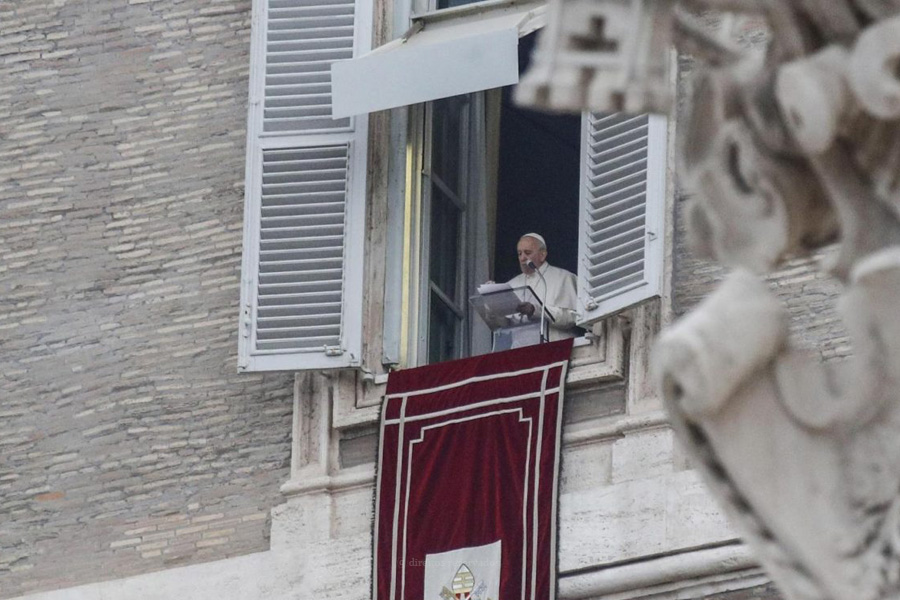 Papa regressa aos compromissos públicos, mas suspende participação no retiro de Quaresma