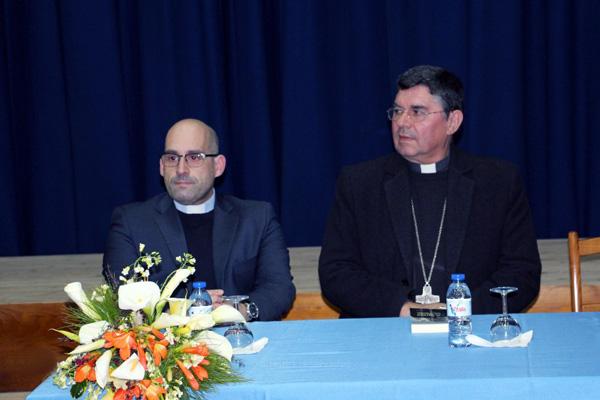 Bispo de Angra quer formar diáconos permanentes à distância